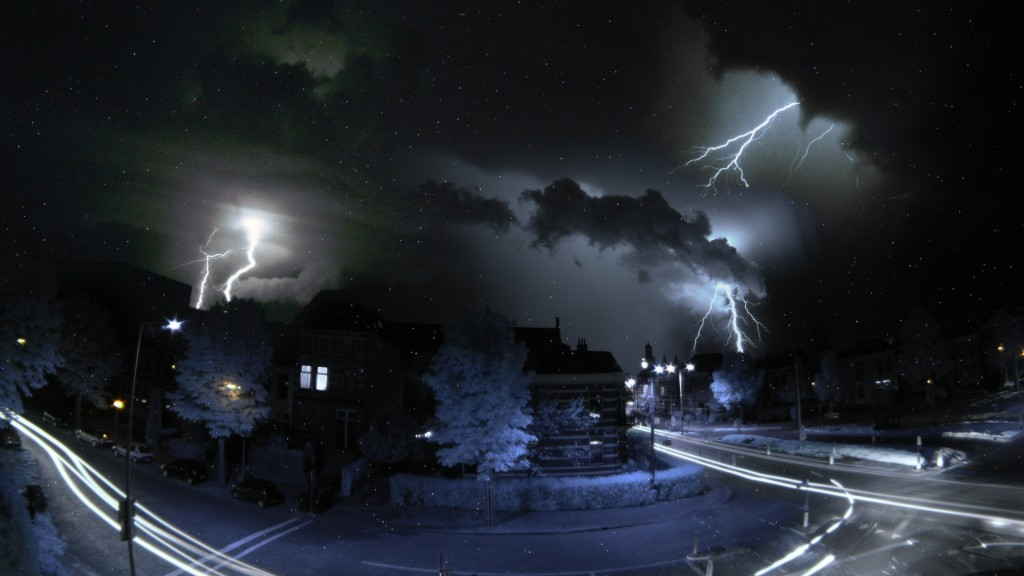 lightening-4pics-van-oldenbarneveldtstraat-wallpaper-1920x1080